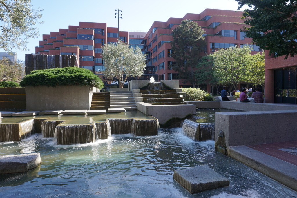 Levi's Plaza Fountain with Levi Strauss & Co. Headquarters in the Background, 2015 Courtesy of Alison Moore