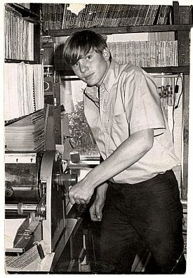 Young Greg Shaw at his mimeograph machine. Courtesy rockandrollreport.com/book-review-bomp-saving-the-world-one-record-at-a-time/