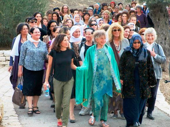 Anna Halprin Leading a Women's Peace Walk on the Rhoda Goldman Promenade, 2014 Courtesy of Sue Heinemann